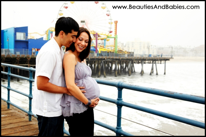 Los Angeles maternity photographer beach pier