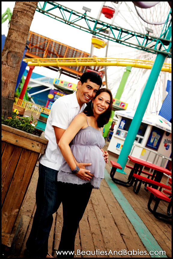 pregnancy photographer Los Angeles beach pier