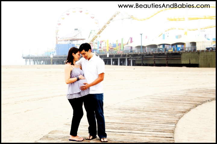 Los Angeles pregnancy photographer beach