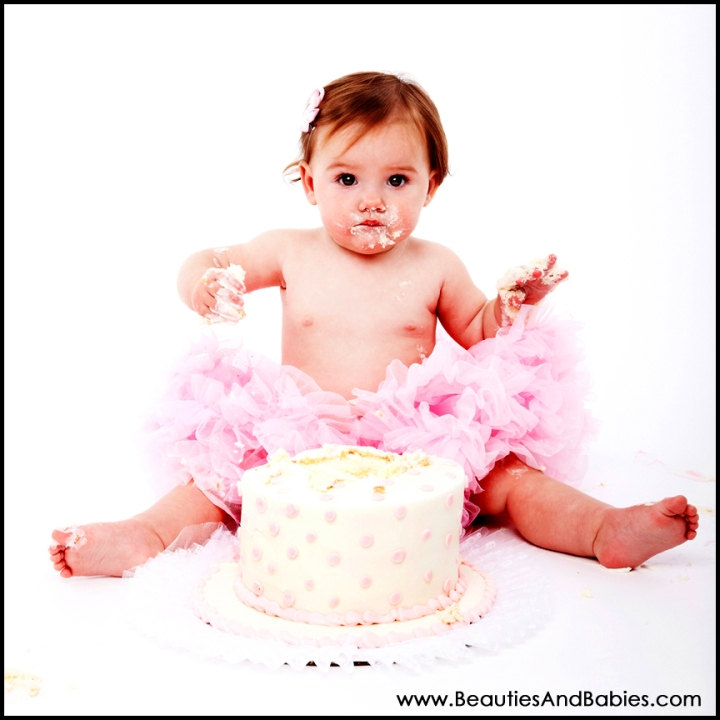 professional baby birthday cake photography Los Angeles
