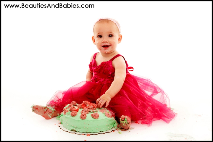 baby eating birthday cake professional pictures Los Angeles photography