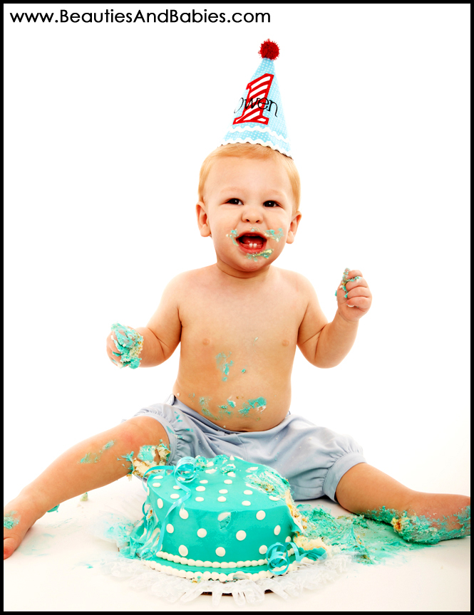 Los Angeles toddler photography first birthday cake smash pictures