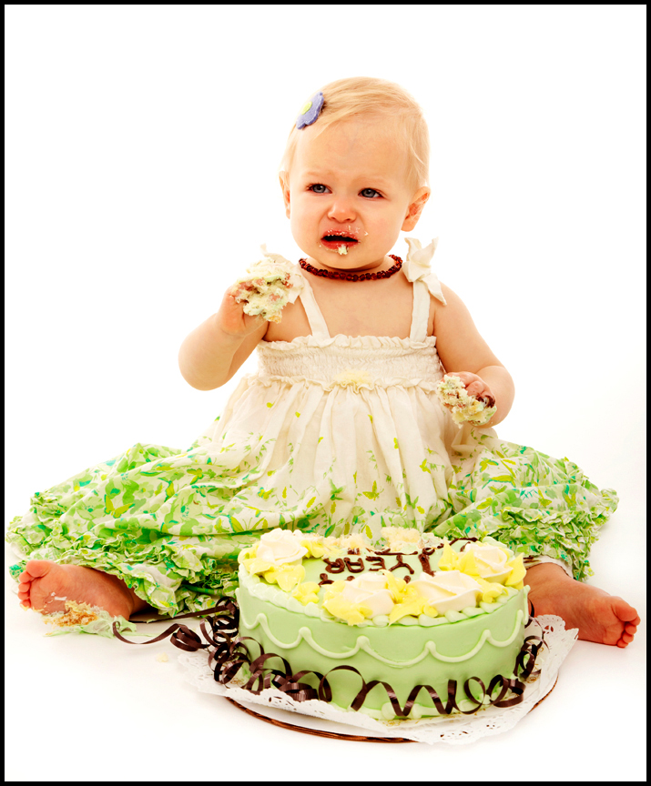 baby eating cake professional cake smash pictures