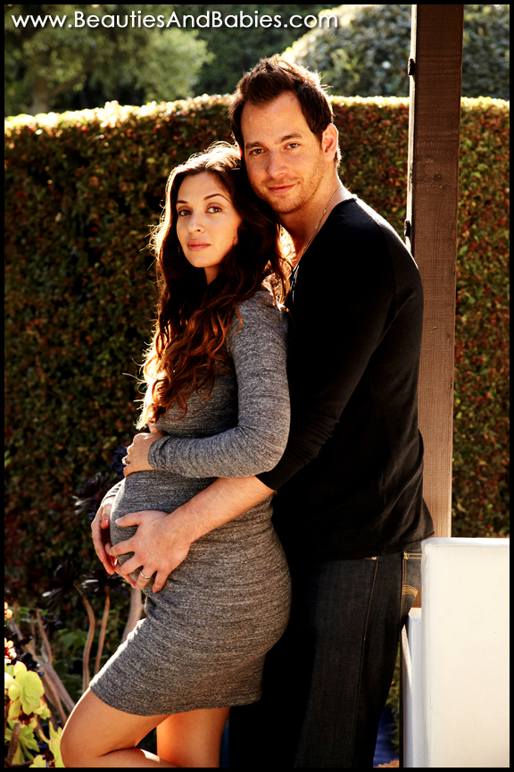 pregnant couple professional photographer Los Angeles