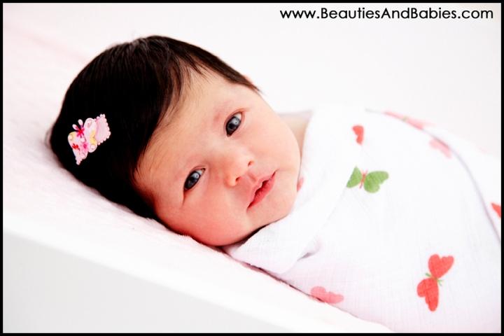 awake newborn baby photography Los Angeles
