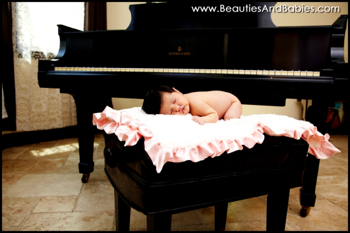 newborn baby photography studio Los Angeles