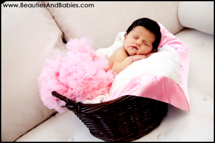 newborn baby professional pictures Los Angeles