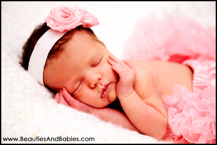 Professional sleeping newborn baby girl photography los angeles
