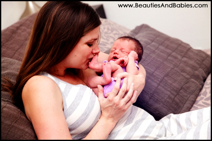 mother daughter newborn baby photography Los Angeles