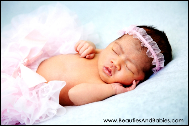 Los Angeles newborn baby girl photography studio