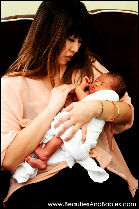 professional newborn baby photography mother daughter pictures