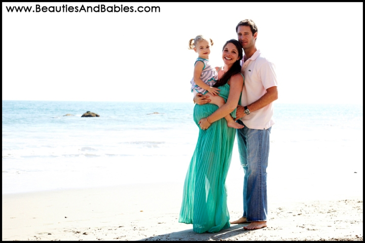 expectant mother on the beach professional pregnancy photography Los Angeles