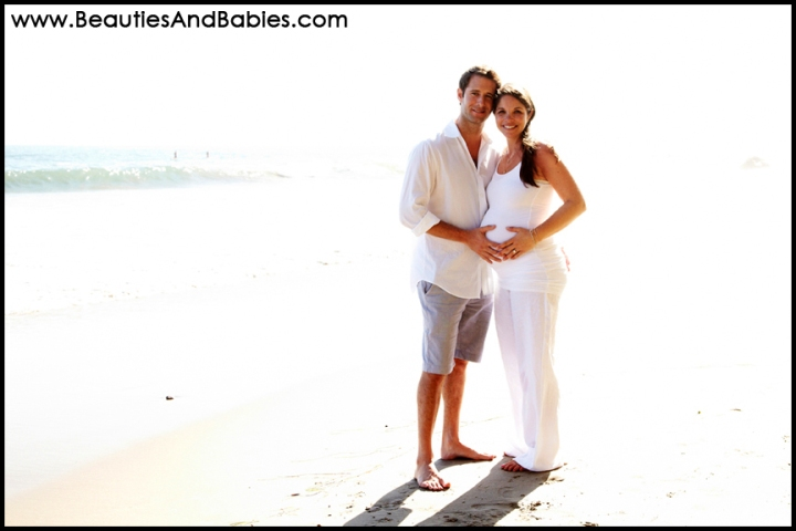 pregnant couple professional pictures on the beach Los Angeles photographer