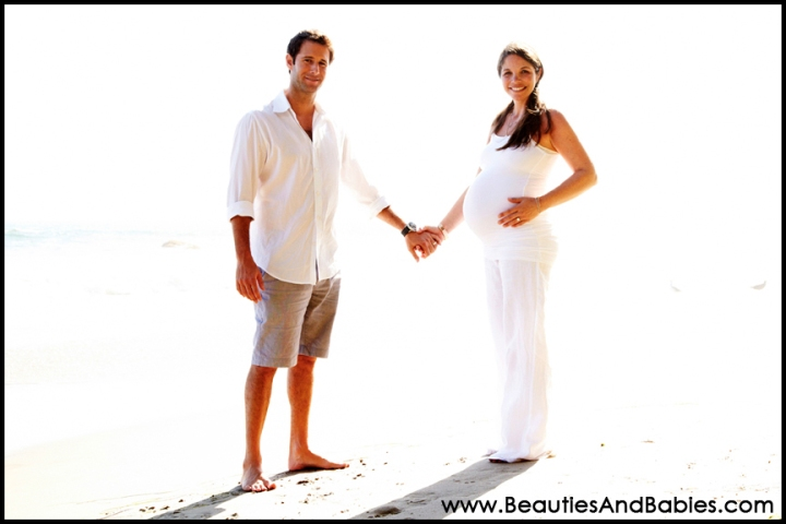 pregnant couple professional pictures Los Angeles beach