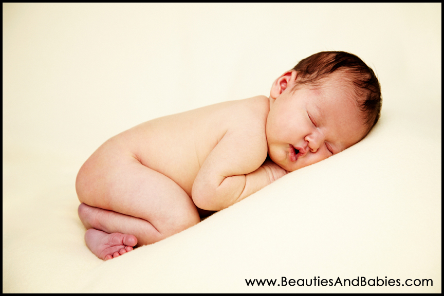 Los Angeles professional newborn baby pictures