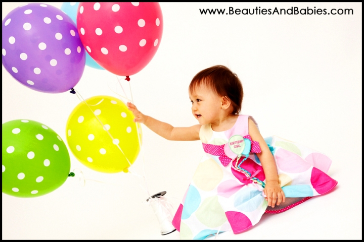 baby birthday balloons professional pictures Los Angeles photography studio