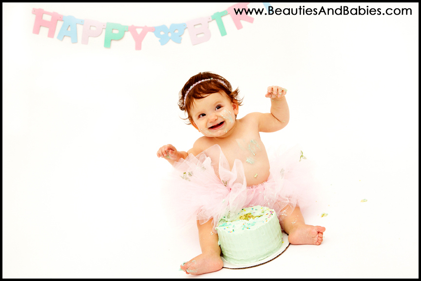 babies first birthday cake smash photography professional Los Angeles