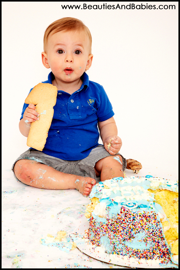 best Los Angeles baby and child photographer birthday cake smash