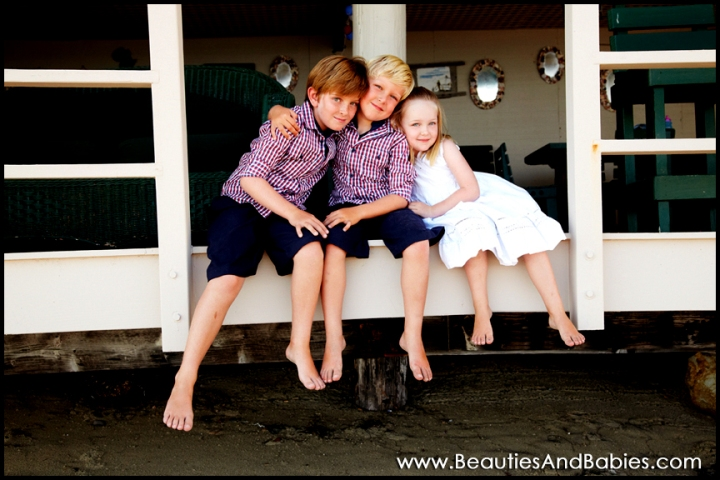 3 kids sibling pictures Los Angeles photographer