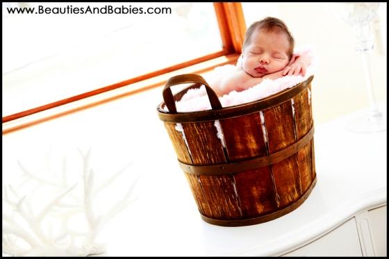 creative newborn baby photography Los Angeles photographer