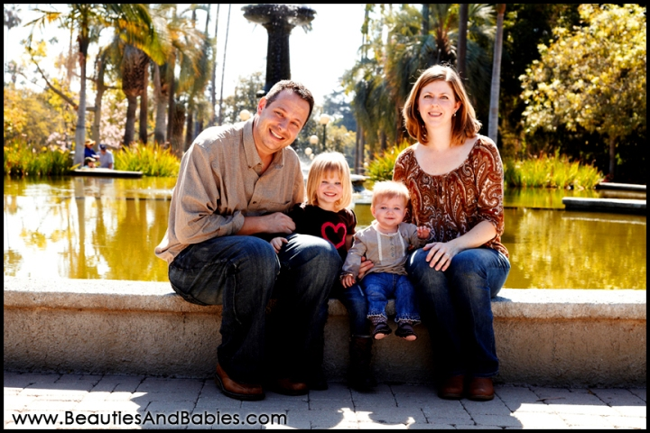 professional outdoor family pictures Los Angeles photographer