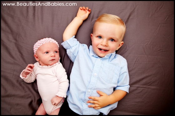 professional sibling photography newborn baby pictures Los Angeles photographer