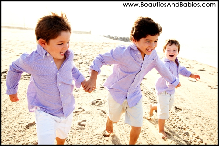 boys running at the beach professional outdoor photography Los Angeles