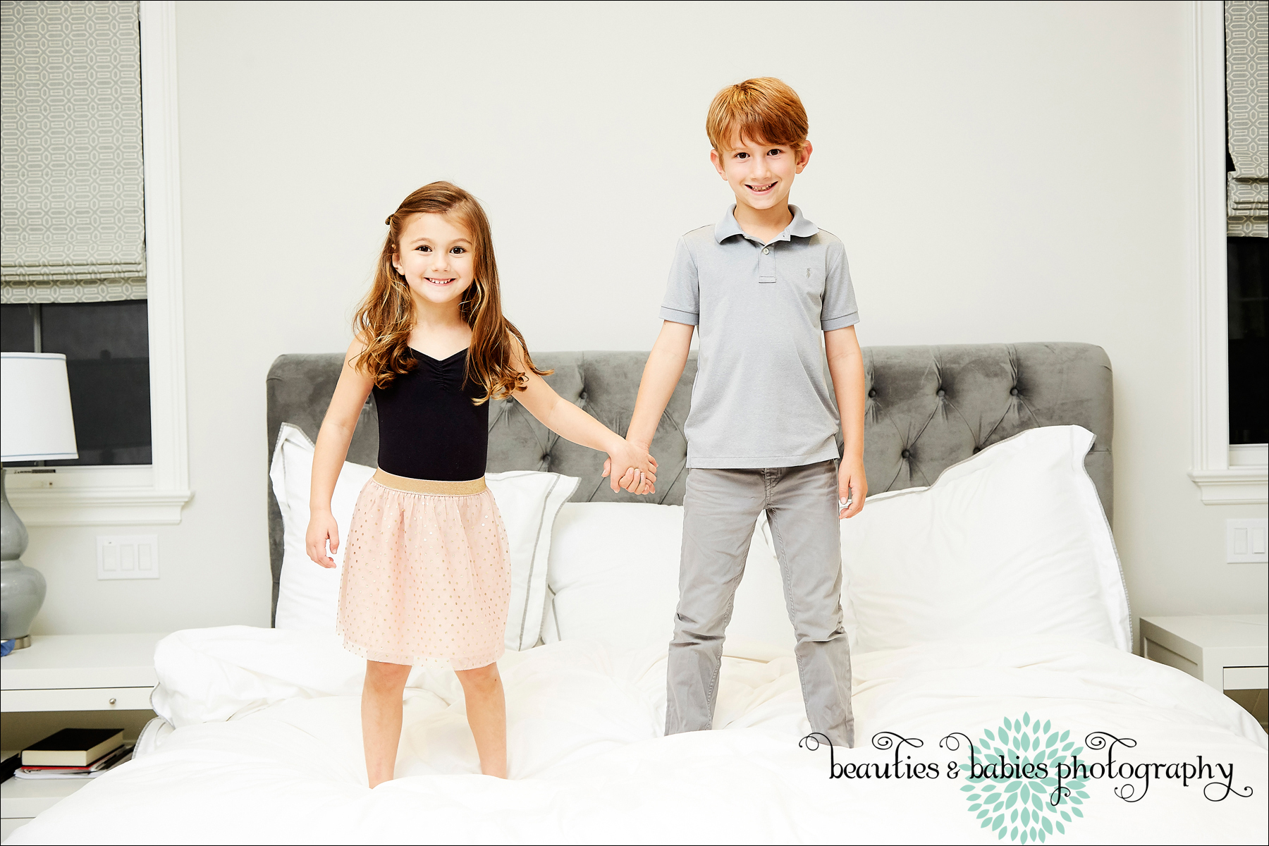 at-home children's photographer Los Angeles kids photography sibling portraits