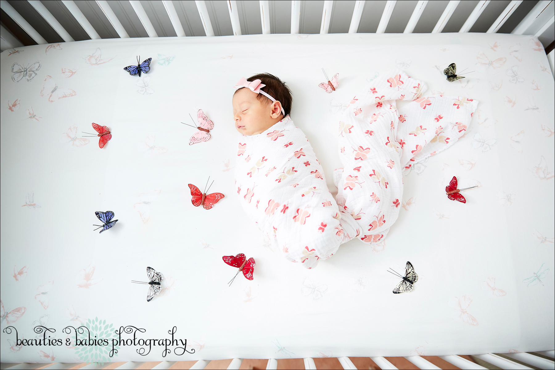 Twin big sisters newborn baby sister photography, at home newborn photographer los angeles professional kids pictures