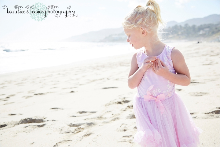 Family and children beach photography Santa Monica, Los Angeles professional lifestyle photographer