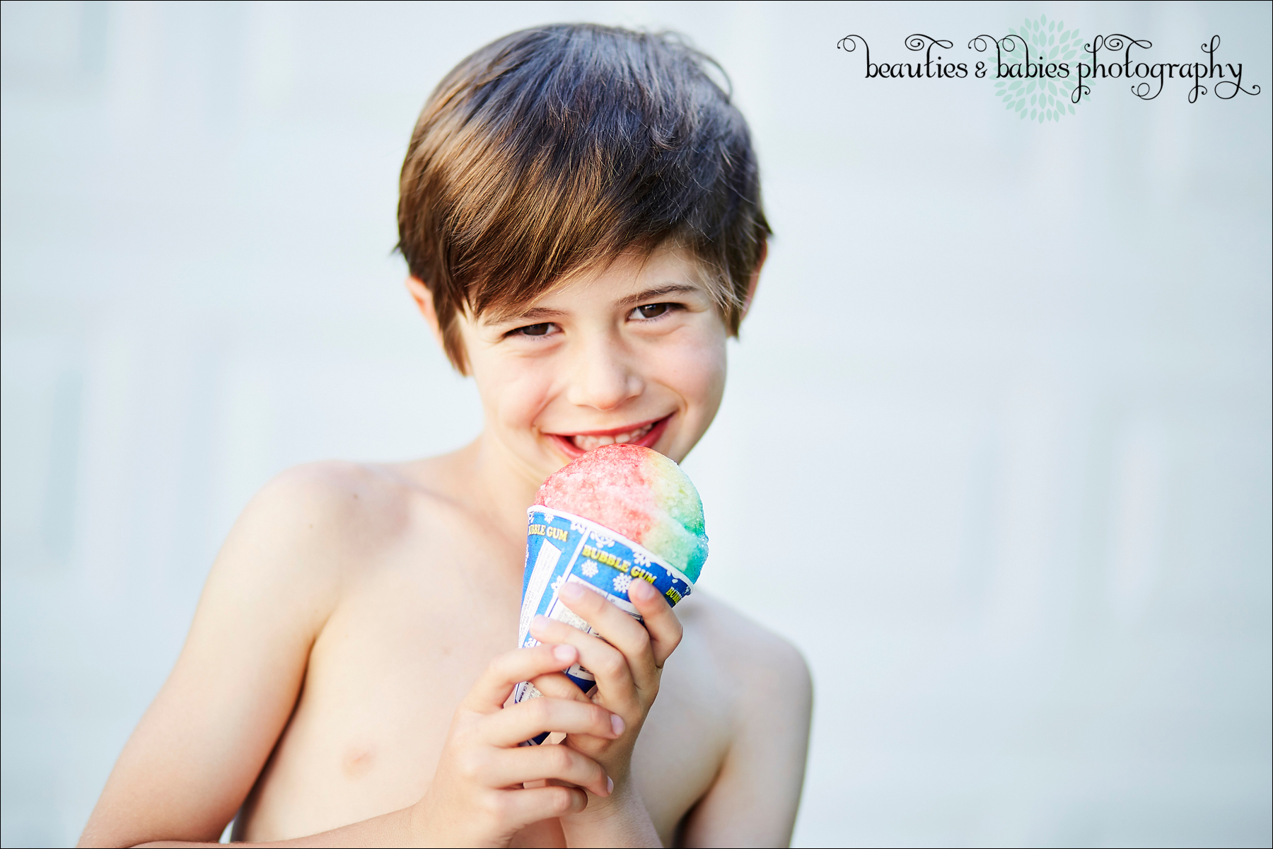 little boy eating icee summer photography Los Angeles children's photographer