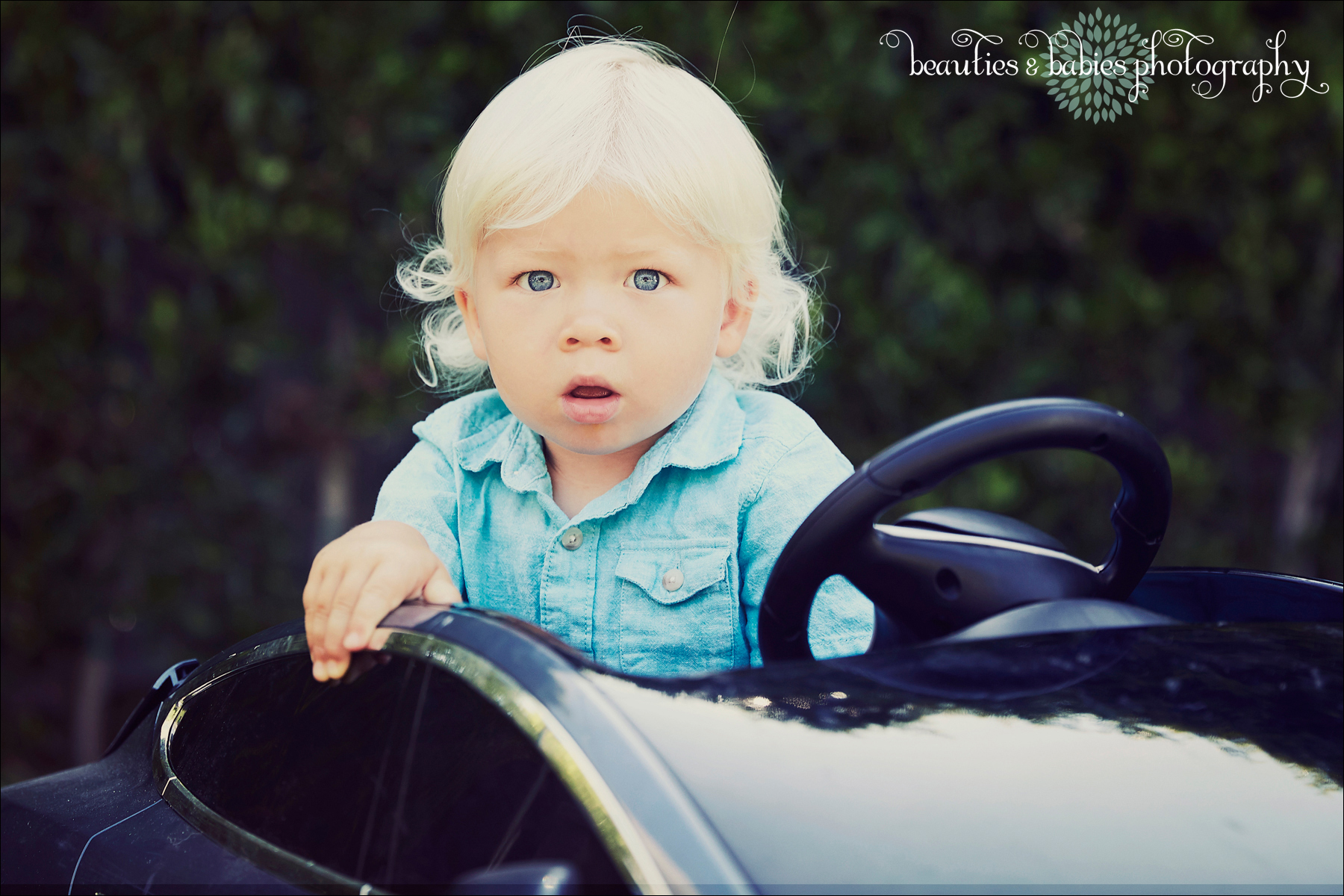 creative child photography mini car kids photography Los Angeles