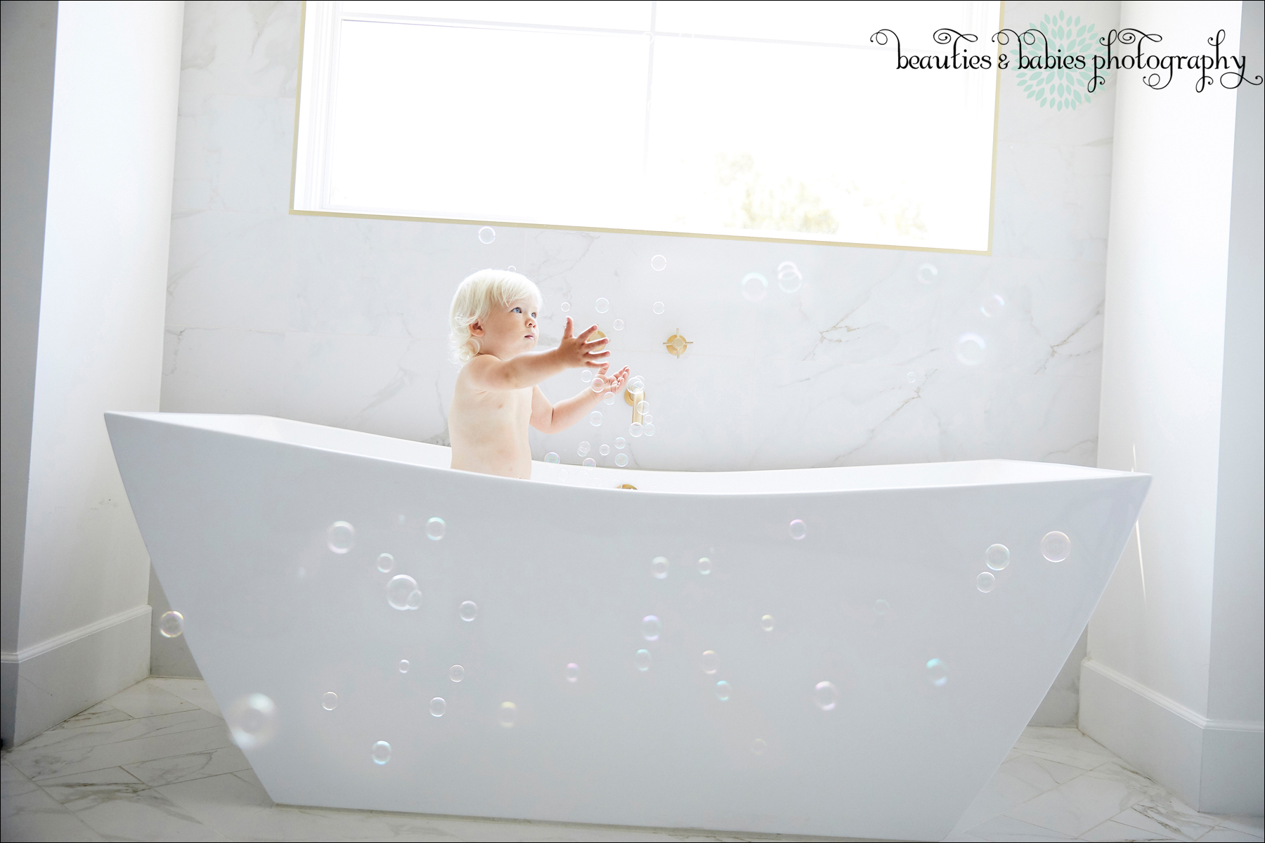 creative child photography bubbles Los Angeles professional kids photographer
