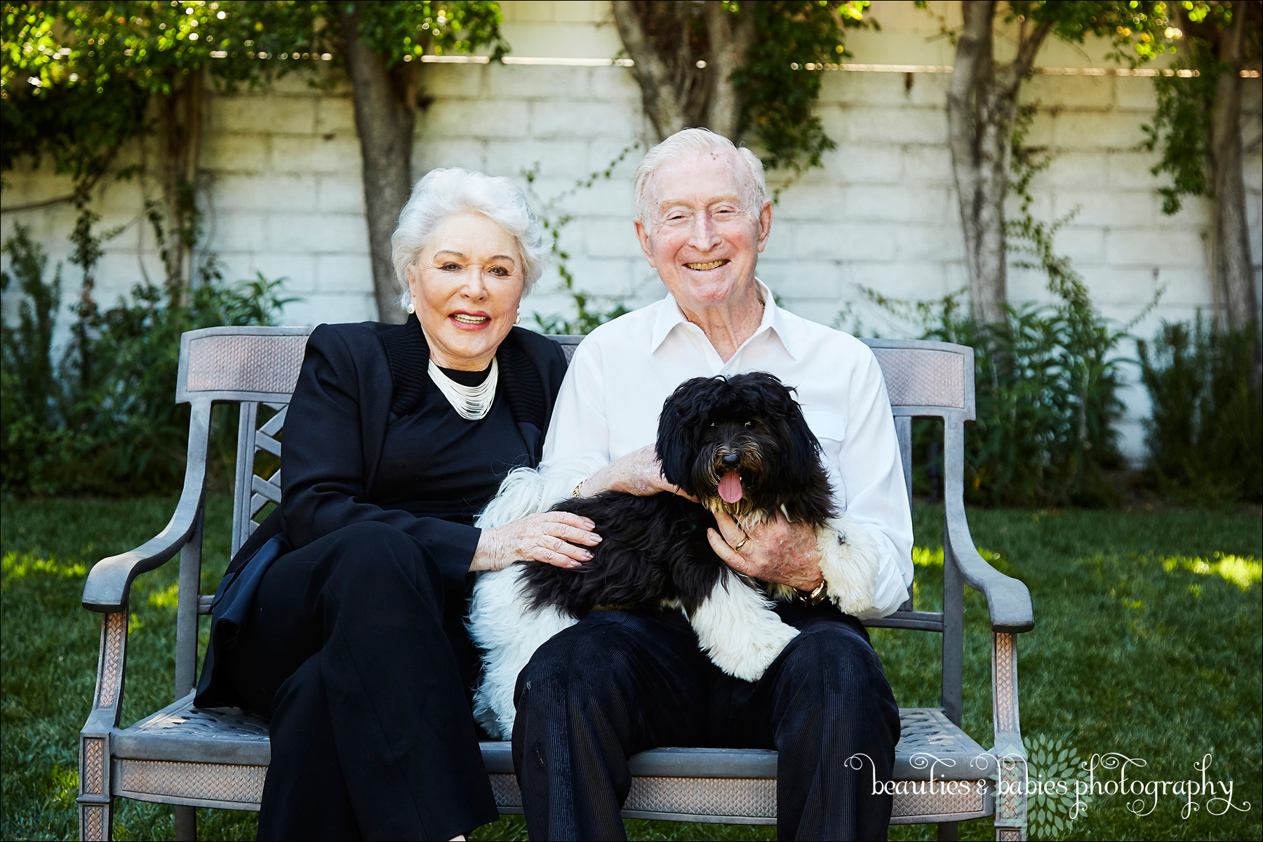 Extended Family Professional portrait photography Los Angeles photographer at home