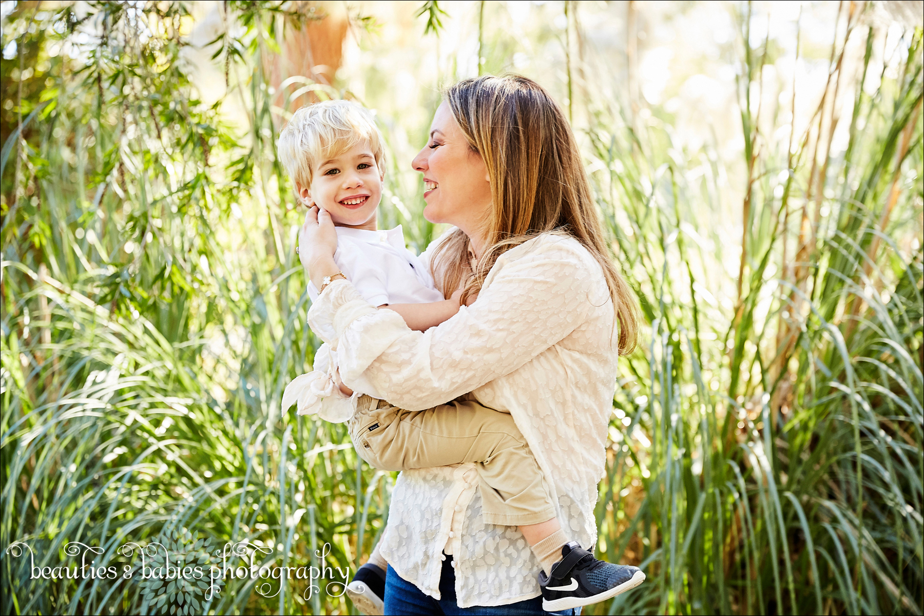 Family Holiday card photos Los Angeles family photography outdoors natural light