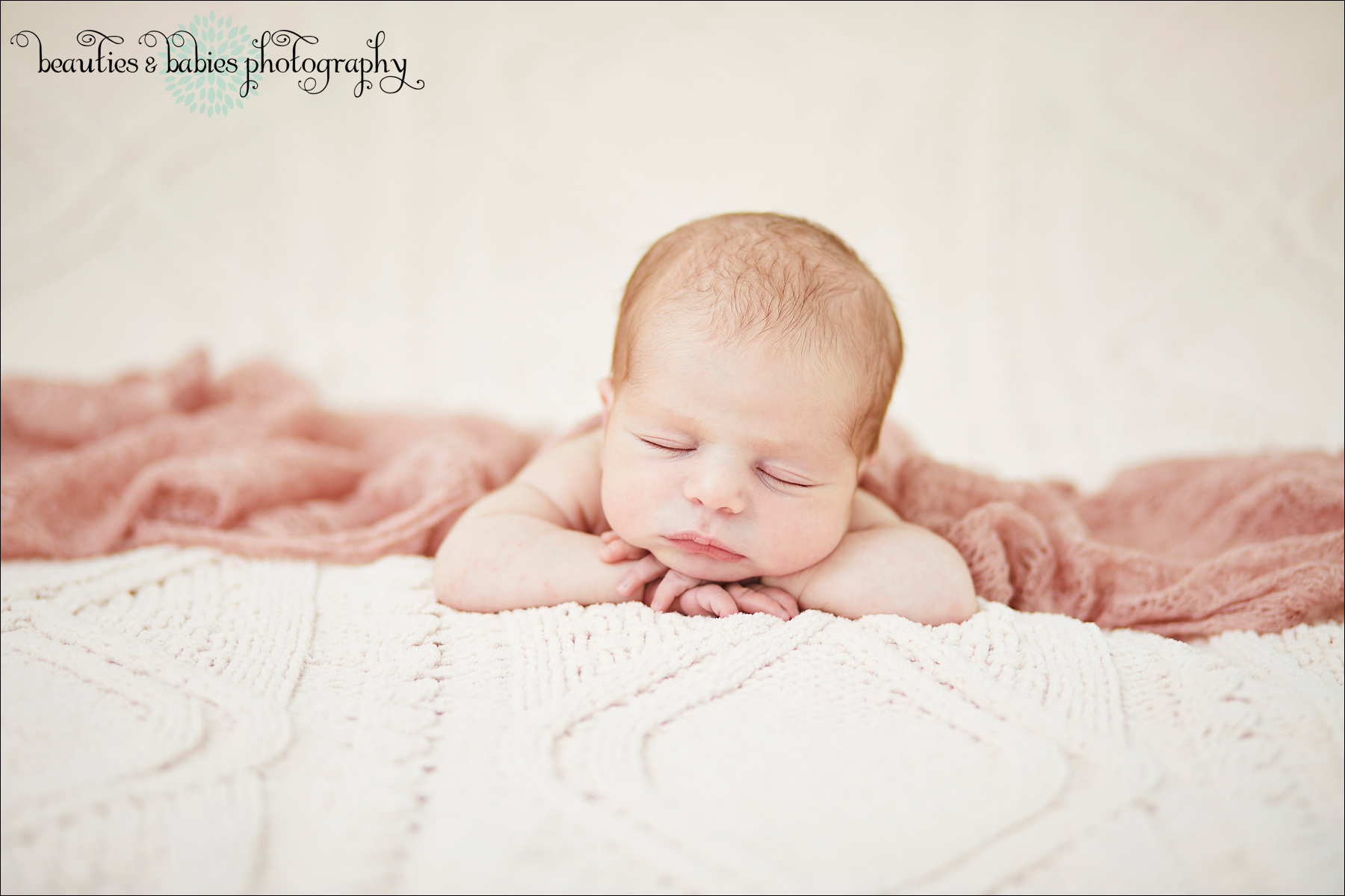 at-home newborn baby photographer Los Angeles